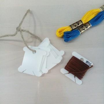 Organizador plástico para hilos de bordado
