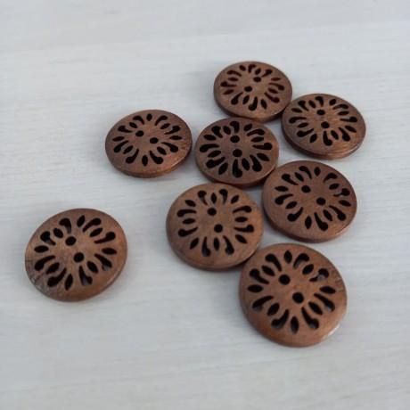 Botones de madera calada