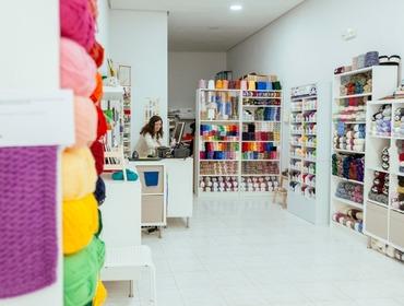 Tienda de lanas y accesorios para punto y ganchillo